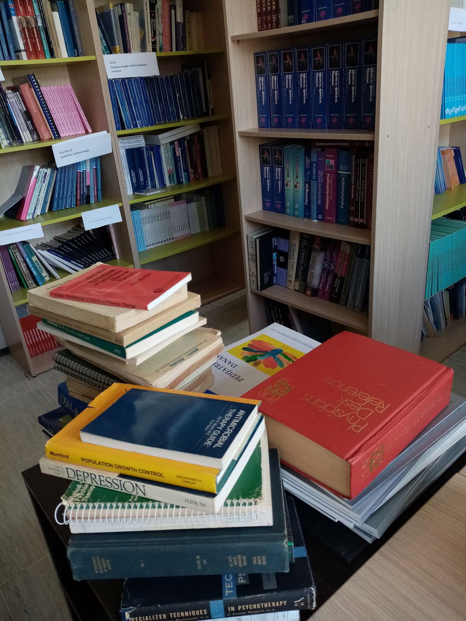 Donacija knjiga i časopisa iz medicinskih nauka Fakultetu zdravstvenih studija u Sarajevu