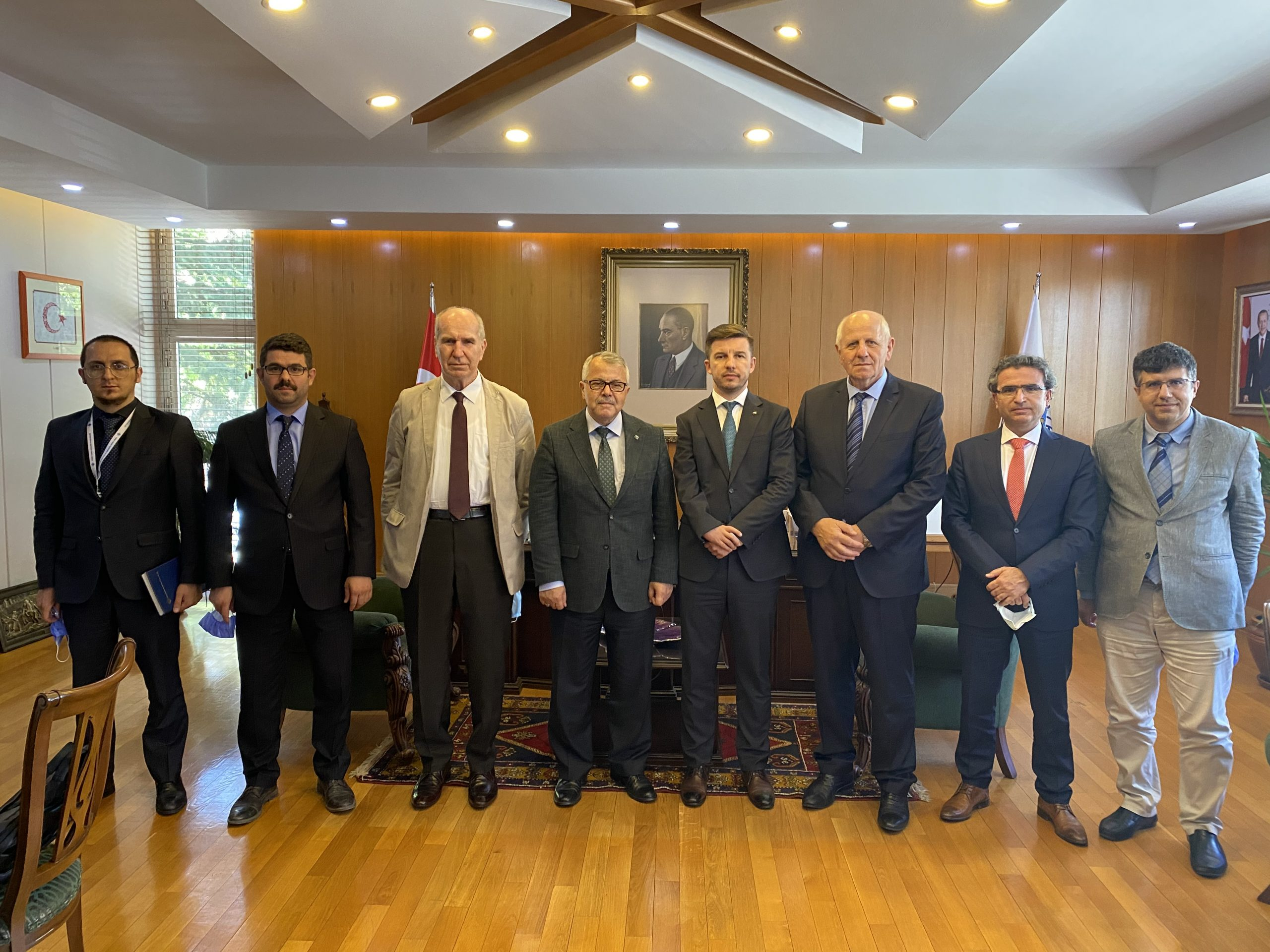 Delegacija Gazi Husrev-begove biblioteke u posjeti Institutu za historiju Republike Turske